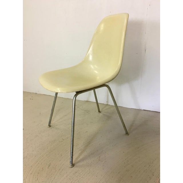 1960s Five Fiberglass Eames Shell Chairs for Herman Miller For Sale - Image 5 of 8