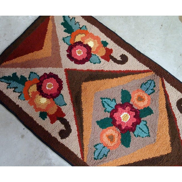 Handmade antique American Hooked geometric rug from the beginning of 20th century. It is in original good condition....