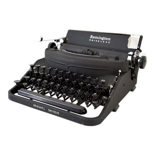 Antique Remington Noiseless Model 7 Typewriter