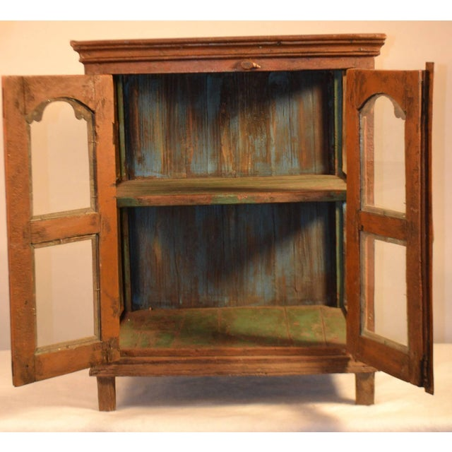 French Late 18th Century Painted Wood Hanging Shelf With Glass Doors For Sale - Image 3 of 6