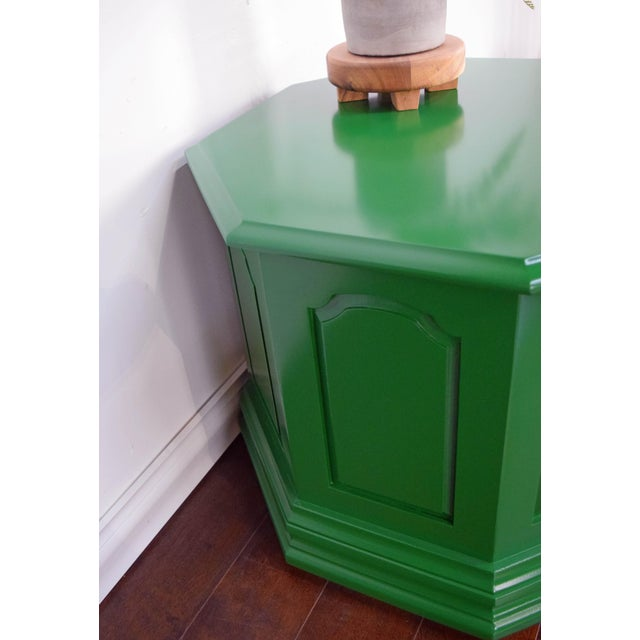 Late 19th Century Bottle Green Fine Paints of Europe High Gloss Green Side Table For Sale - Image 5 of 8
