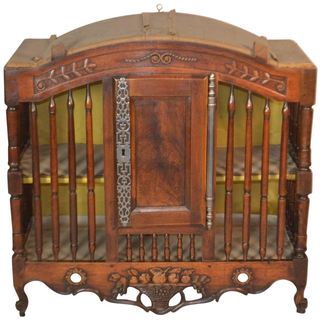 18th Century Walnut Panetiere From Provence For Sale