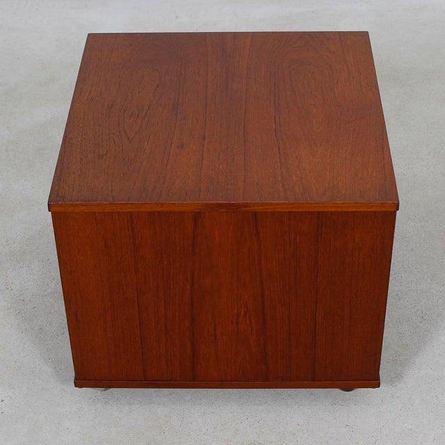 Rolling Vinyl / Book Caddy / Multifunctional Storage Cube in Teak - Image 7 of 10