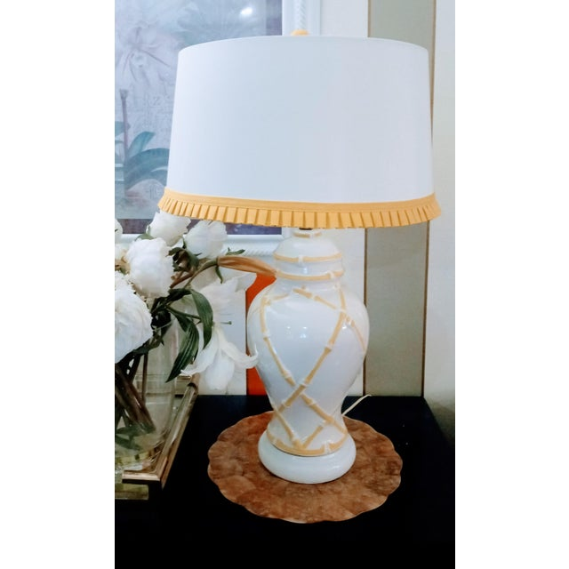 Ceramic Vintage Faux Bamboo Palm Beach Regency Yellow and White Ginger Jar Pleated Trimmed Shade Table Lamp For Sale - Image 7 of 10