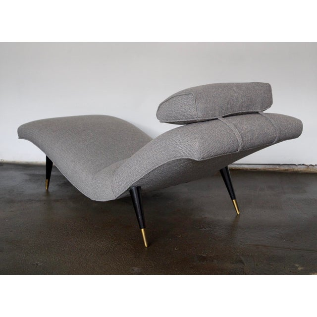 Mid-Century Modern Gray Tweed Daybed or Chaise Lounge For Sale In Los Angeles - Image 6 of 11