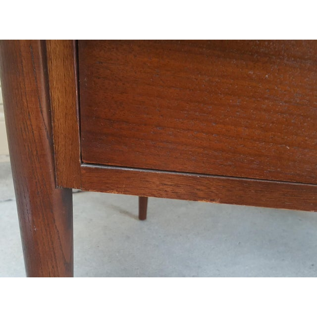 Bassett Mid-Century Modern Artisan End Tables - A Pair - Image 9 of 10