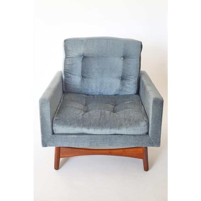 Excellent condition Adrian Pearsall Lounge chair for Craft Associates. Model 2406-C. The light blue velvet fabric is in...