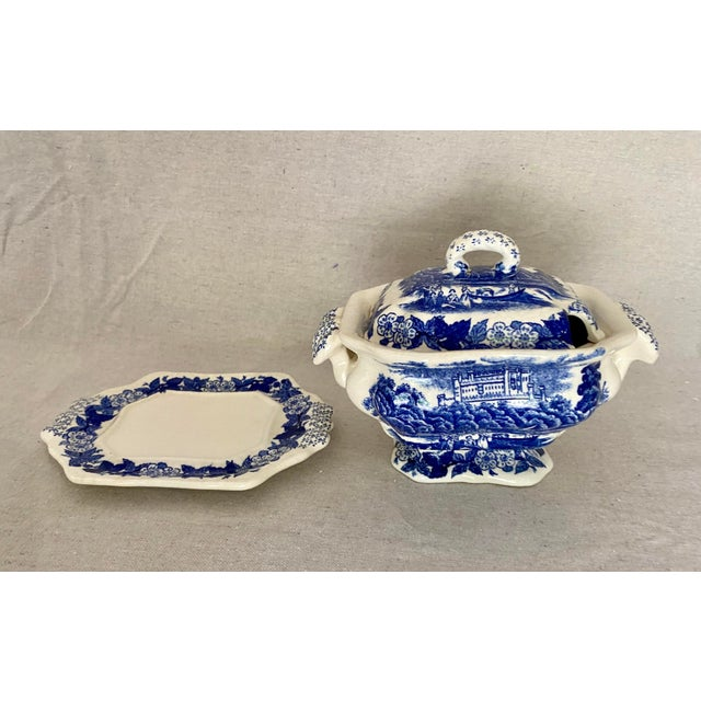 Vintage Blue and White Gravy Boat For Sale In Tampa - Image 6 of 13