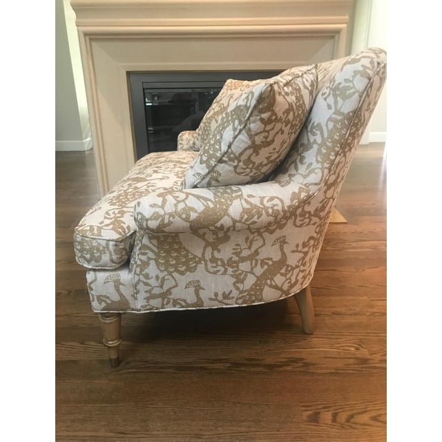 Traditional Traditional Lee Industries Taupe Peacock Print Loveseat For Sale - Image 3 of 9