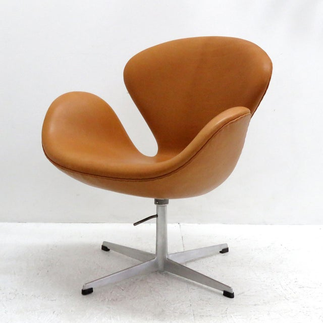 Contemporary Arne Jacobsen Model 3320 Brown Leather Swan Chair For Sale - Image 3 of 13