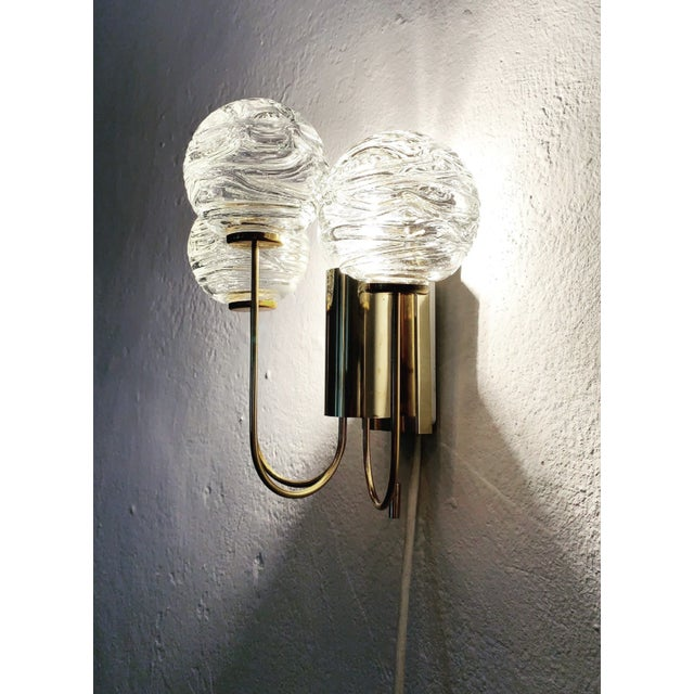 1950s Set of 2 Mid-Century Modern Brass and Ice Glass Wall Sconces by Doria For Sale - Image 5 of 8