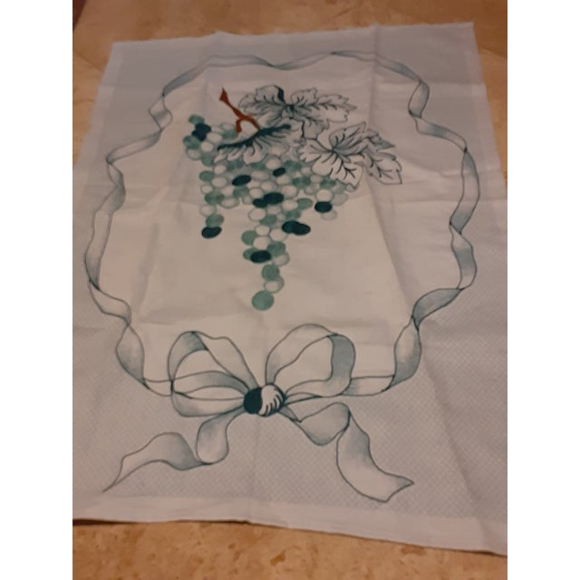 1980s Shabby Chic Green Grape Hand Embroidered Gorgeous Linen Towel For Sale - Image 4 of 8