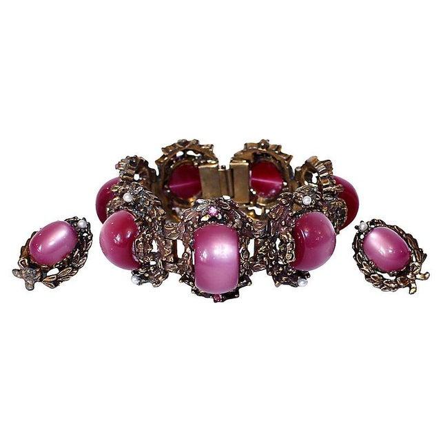 Fuchsia Thermoset Bracelet & Earrings For Sale - Image 4 of 7