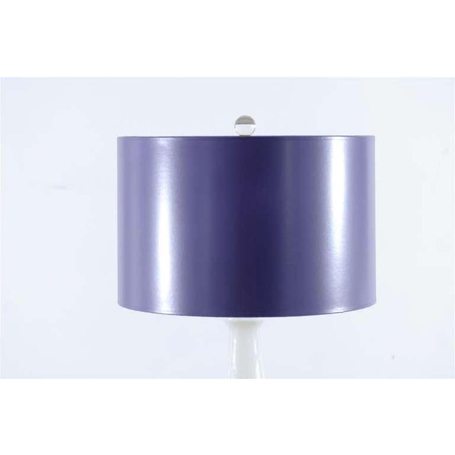 1970s Stellar Pair of Pure White Murano Lamps with Lacquer Shades For Sale - Image 5 of 8