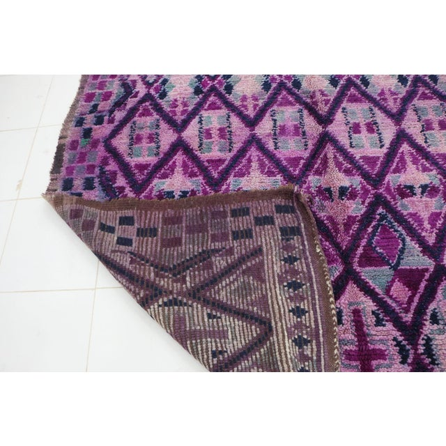 """Boujad Vintage Moroccan Rug - 6'8"""" X 12'3"""" For Sale - Image 4 of 6"""
