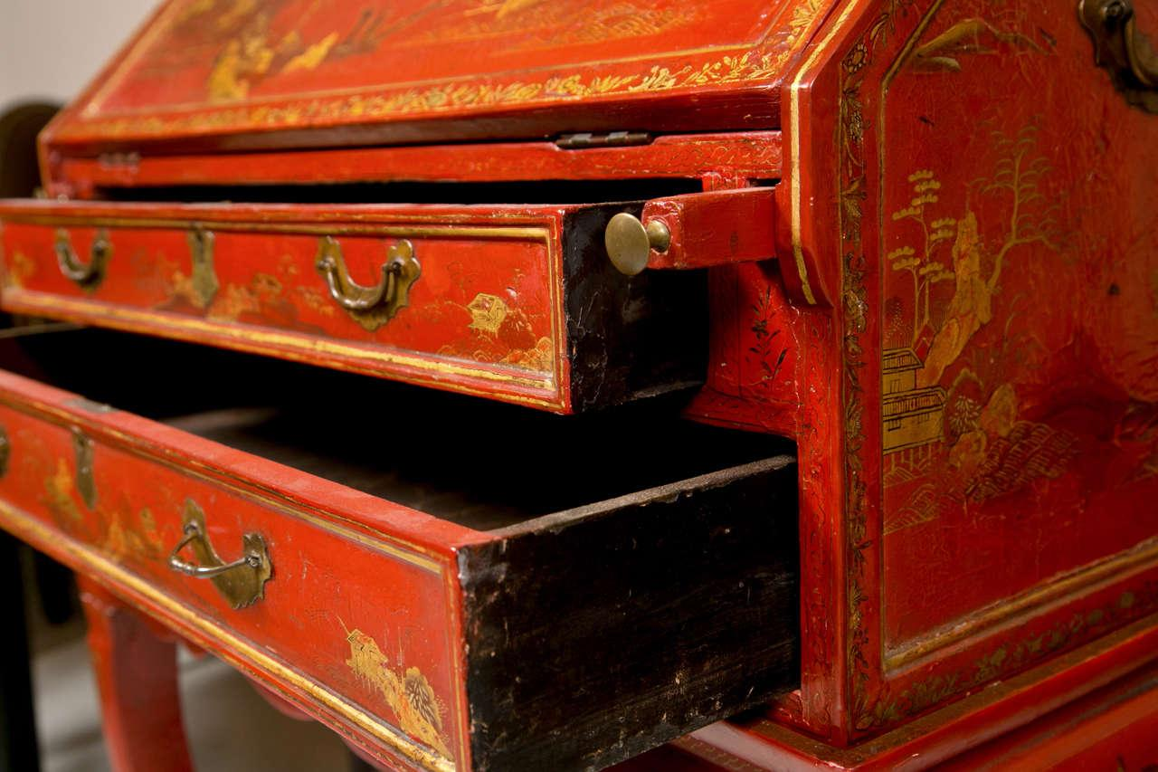 Red Antique 19th Century Painted Chinoiserie Vanity For Sale   Image 8 Of 10