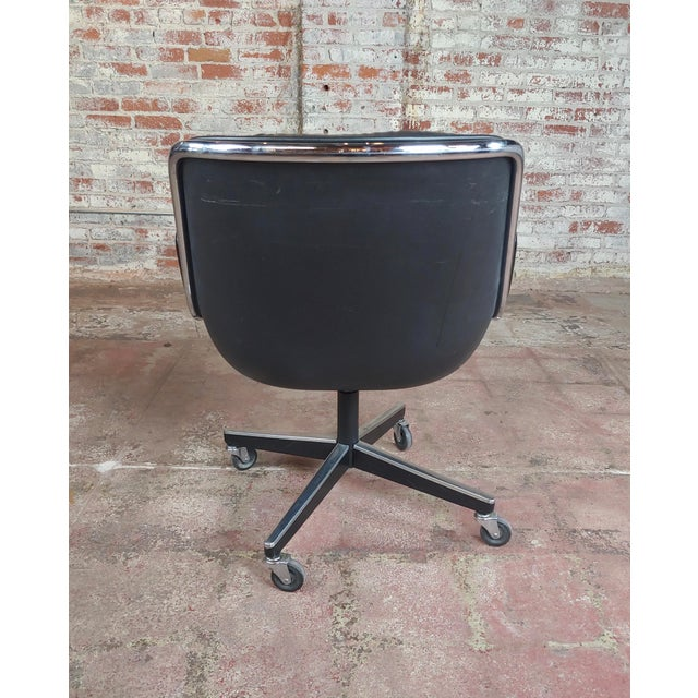 Black Charles Pollock 1960s Executive Chairs in Black Leather for Knoll - A Pair For Sale - Image 8 of 10
