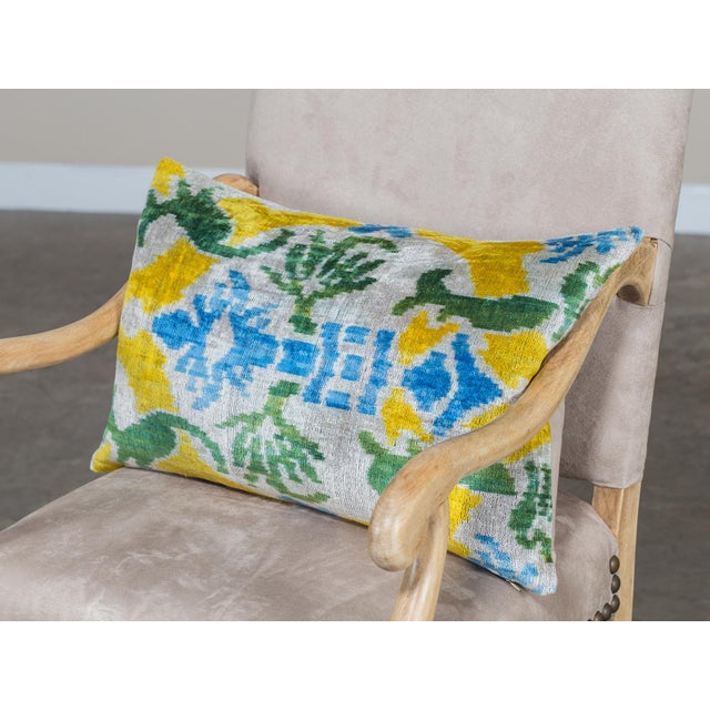Modern Brightly Colored Pillow Made From Soft Silk Thread For Sale - Image 3 of 3