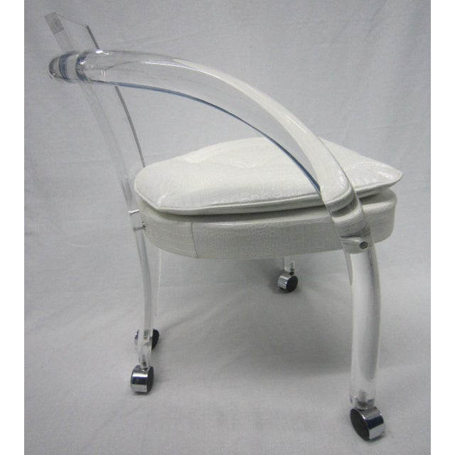 Vintage White Upholstery Lucite Chair - Image 5 of 7