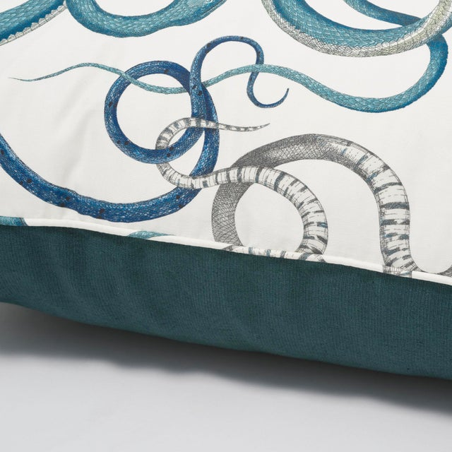 """2010s Schumacher Charlap Hyman & Herrero 31"""" Square Giove Pillow With Tassels in Emerald Sapphire For Sale - Image 5 of 7"""