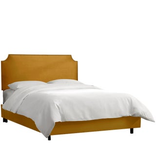Queen Notched Nail Button Bed in Monaco Citronella