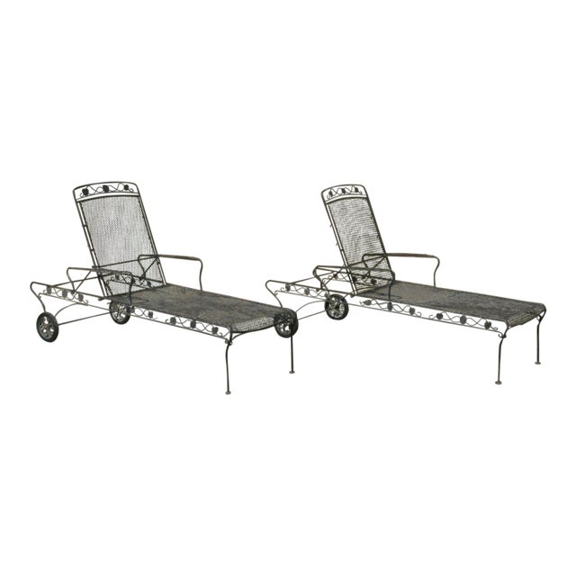 Vintage Mid Century Russell Woodard Patio Garden Reclining Wrought Iron Chairs- a Pair For Sale