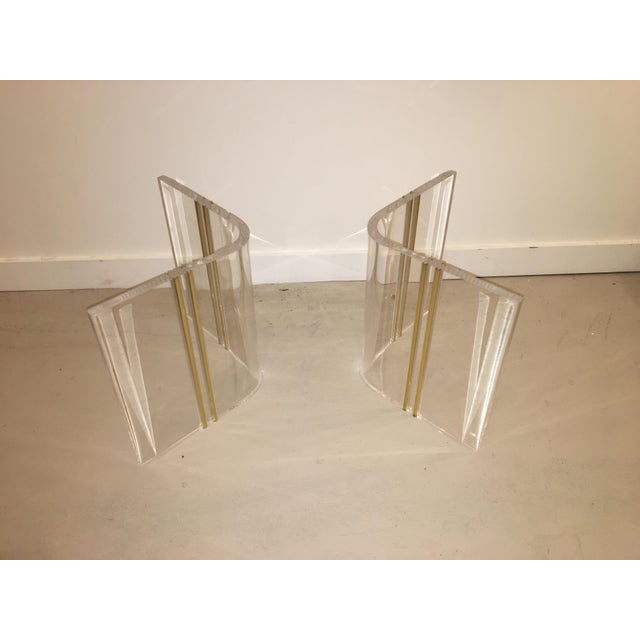 Mid-Century Modern Lucite cocktail table For Sale - Image 3 of 7