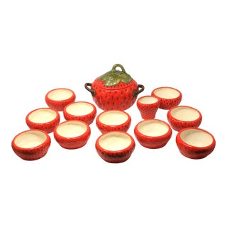 1970s Vintage Strawberry Soup Tureen With Serving Bowls - Set of 13 Tableware For Sale