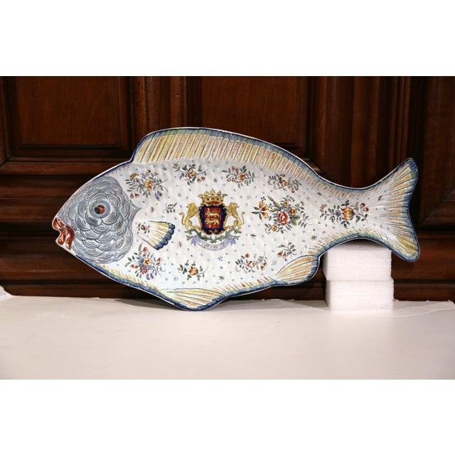 Early 20th Century French Hand-Painted Faience Fish Platter From Normandy For Sale - Image 10 of 10