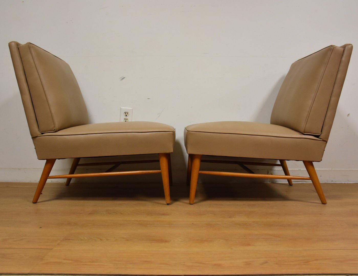 Mid Century Modern Beige Slipper Lounge Chairs   A Pair For Sale   Image 5