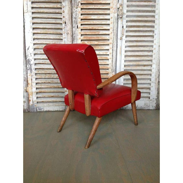 American 1950s Red Vinyl Armchair - Image 5 of 8