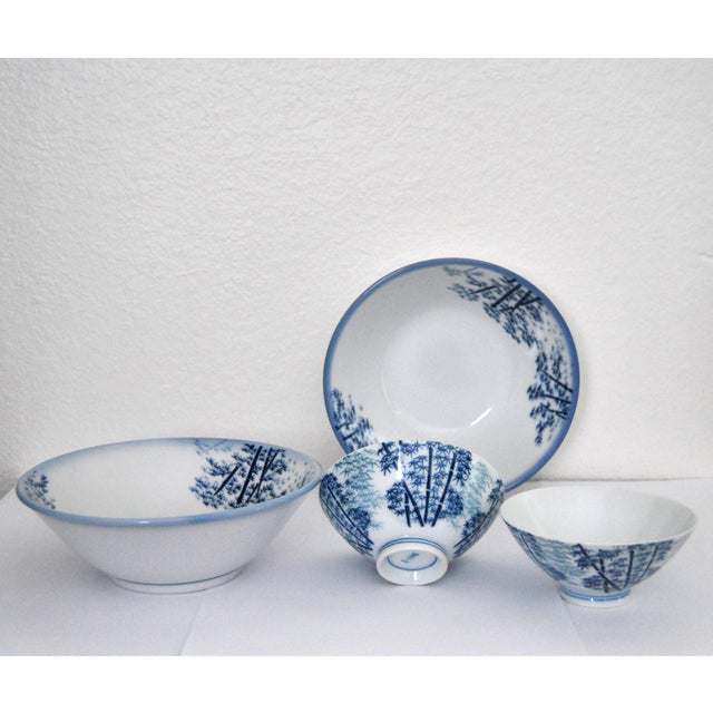 Mikawachi Ware is called the Hirado Ware as well. It is colored by the white porcelain whose components are the natural...