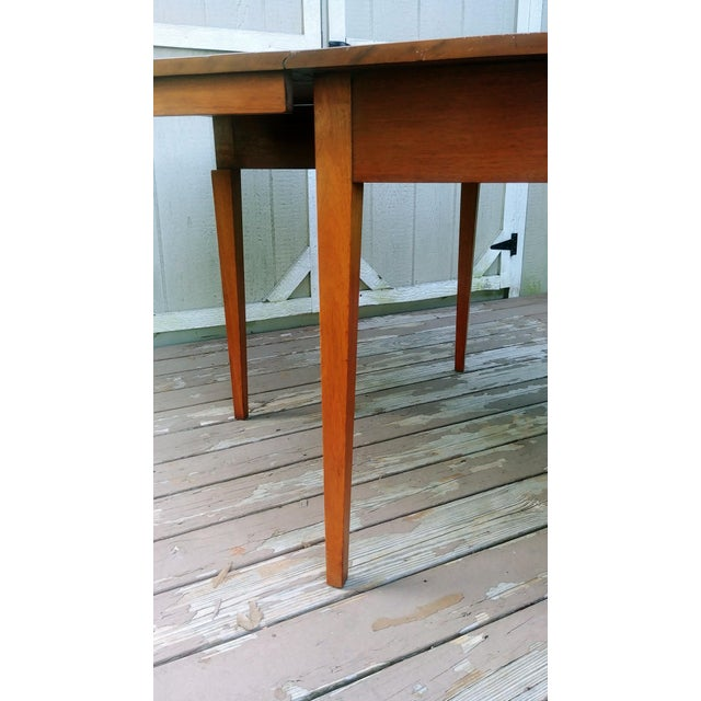 Vintage Mid-Century Modern Solid Pecan Shaker Style Drop Leaf Dining Table For Sale - Image 11 of 13