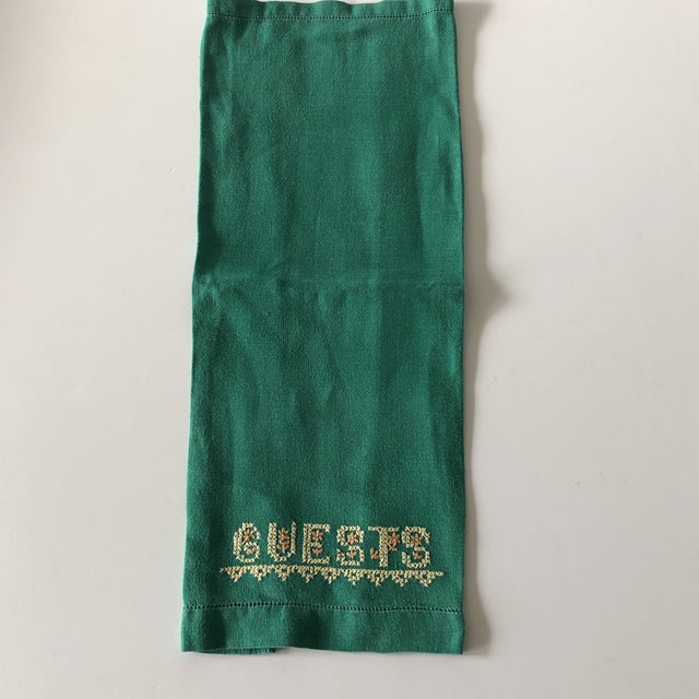 1980s Vintage Green and Yellow Embroidered Guest Linen Towel For Sale - Image 5 of 6