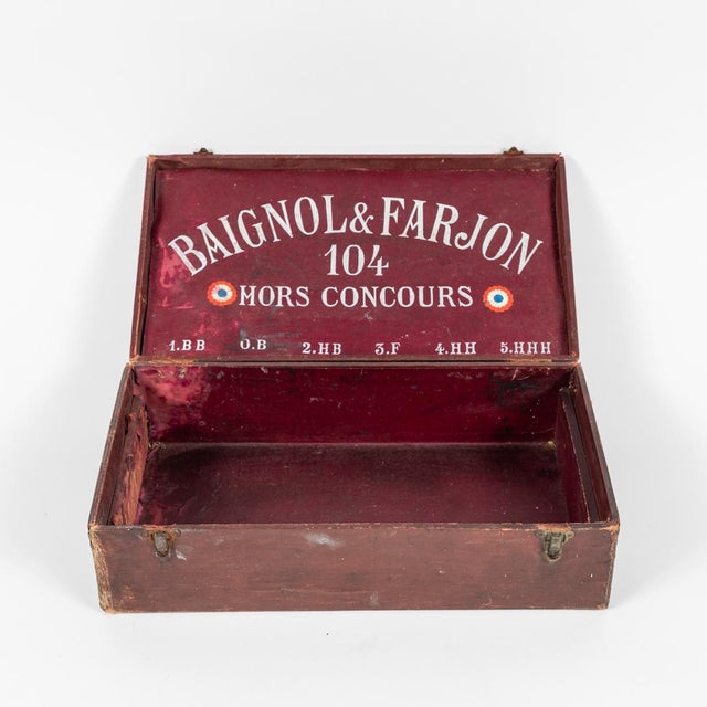 Traditional Crayon Leather Box From England Circa 1900 For Sale - Image 3 of 7