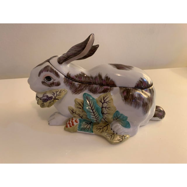 English Mid 20th Century Chelsea House Porcelain Rabbit For Sale - Image 3 of 10