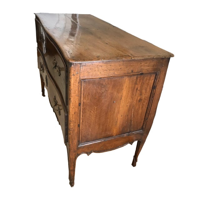 A really lovely French country, Louis XV style commode, dating from the late 18th century. Excellent condition, with...