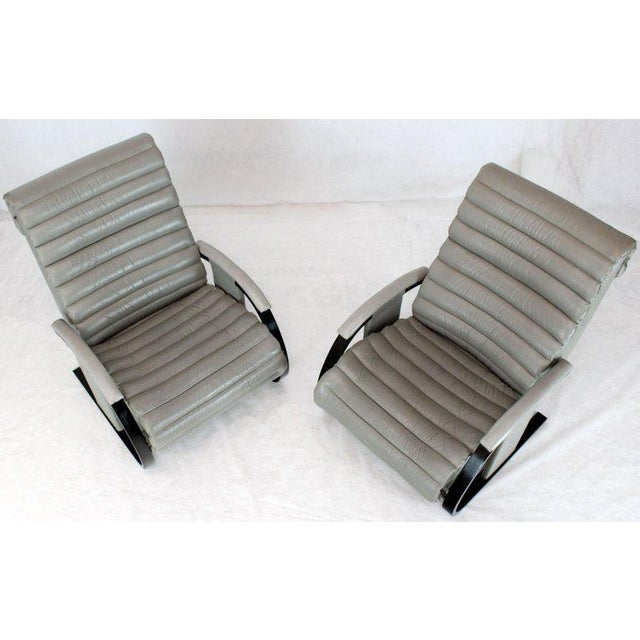Mid-Century Modern Pair of Leather Ribbed Upholstery Reclining Lounge Chairs Bent Wood Tank Style For Sale - Image 3 of 13