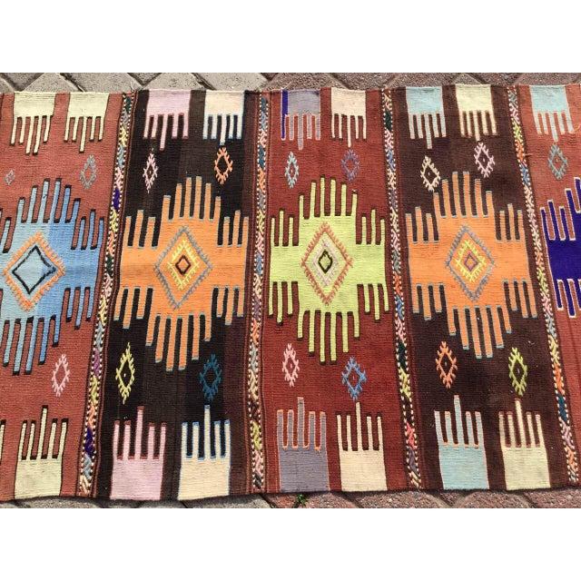 """Textile Vintage Turkish Kilim Rug - 2'9"""" x 4'10"""" For Sale - Image 7 of 10"""