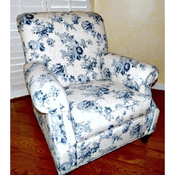 Ethan Allen Blue and White Floral Avery Chair - Image 2 of 6