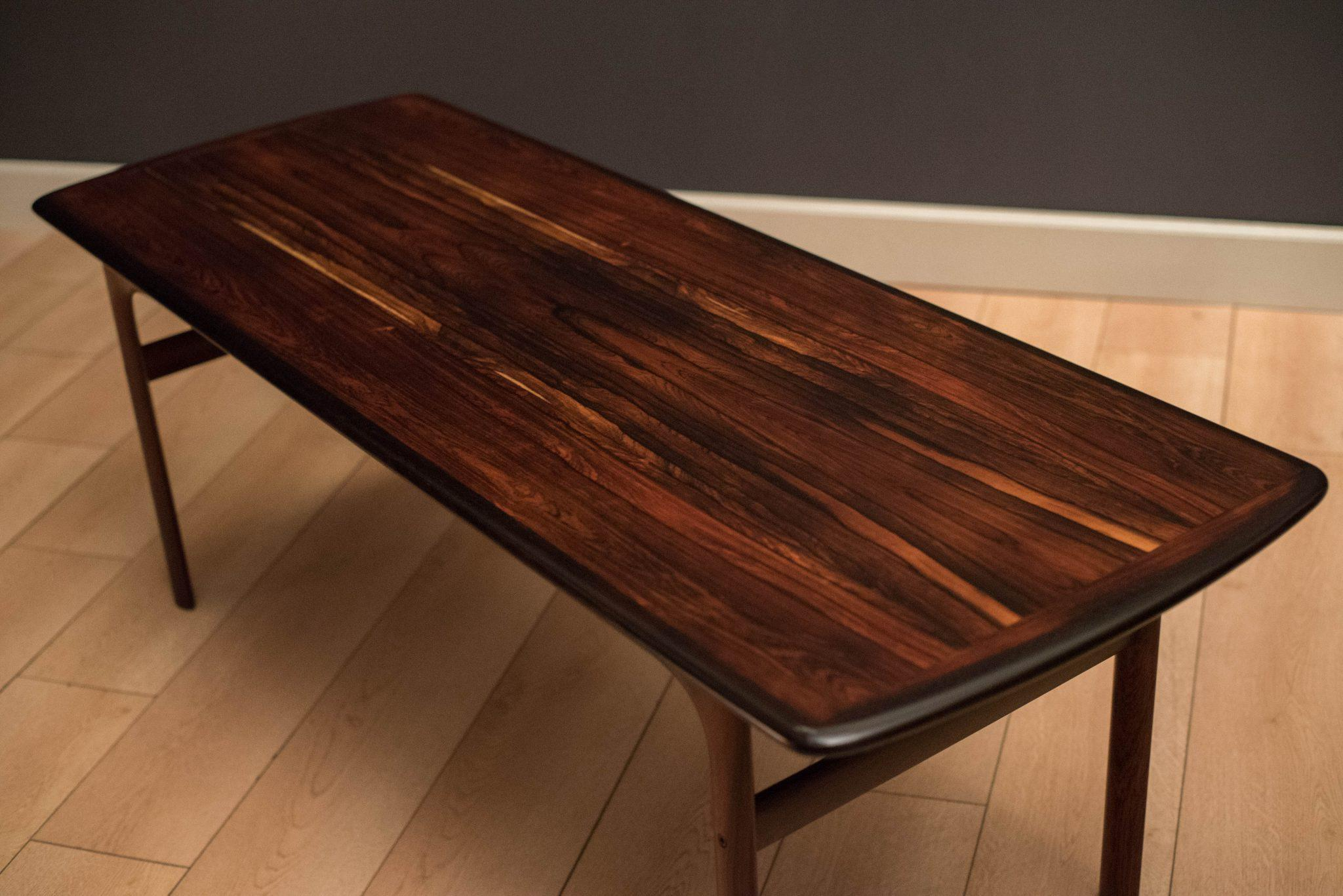 Superbe Mid Century Modern Coffee Table Manufactured By Westnofa Of Norway. Table  Top Features Gorgeous