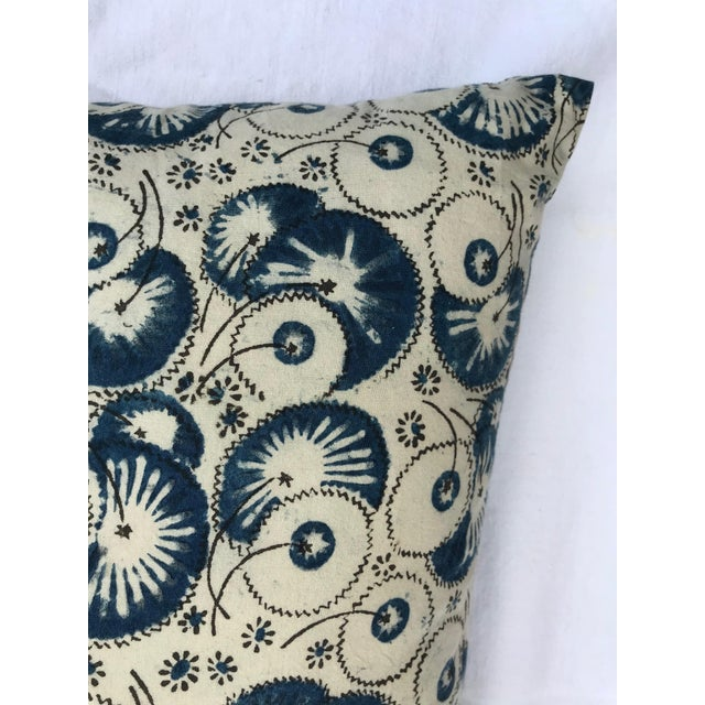 Folk Art Les Indiennes Pillow Cover For Sale - Image 4 of 6
