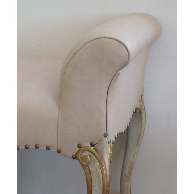 Louis XV Shapely French Louis XV Style Pale Green Painted and Parcel-Gilt Bench For Sale - Image 3 of 4