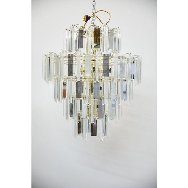 Mid-Century Modern Vintage Italian Waterfall Chandelier With Lucite and Mirrored Prisms For Sale - Image 3 of 13