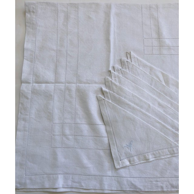 French Linen Tablecloth & Napkins - Set of 7 For Sale - Image 4 of 8
