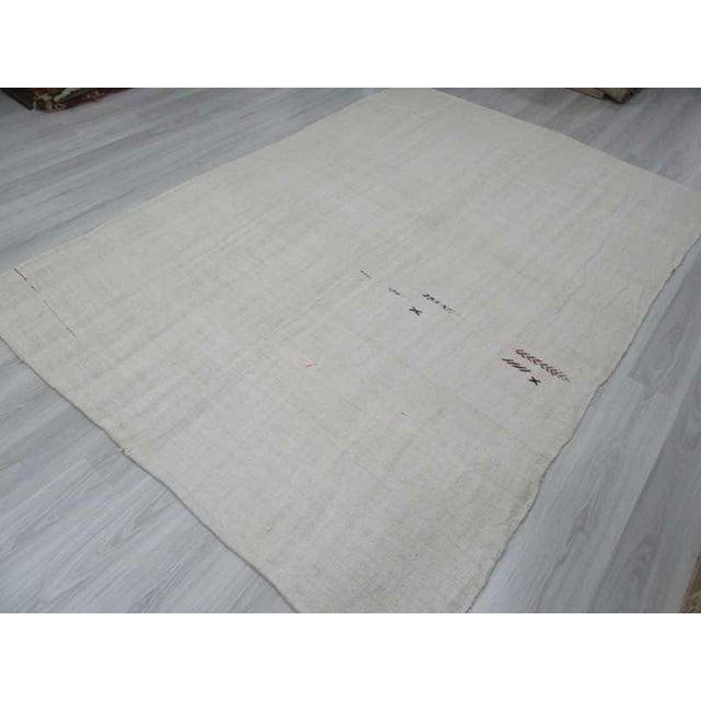 Vintgage white Turkish hemp kilim rug For Sale - Image 5 of 6