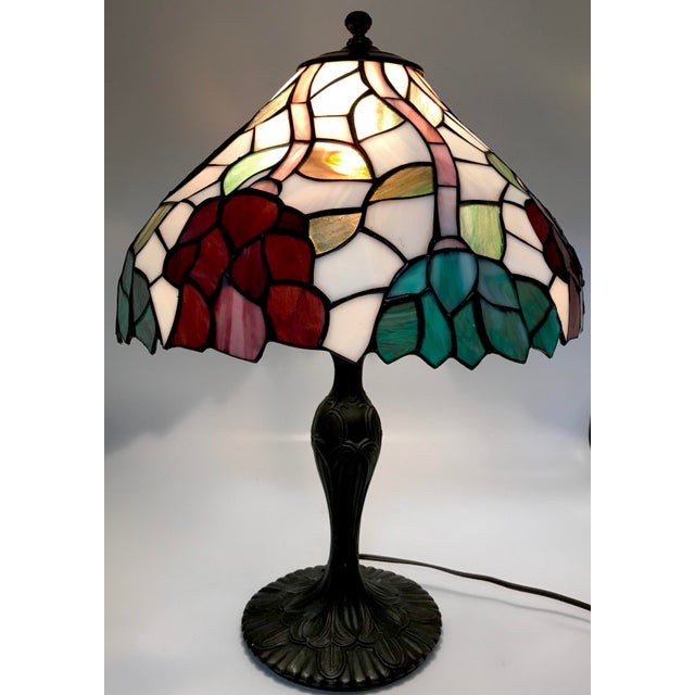 Vintage Tiffany Style Stained Glass Table Lamp For Sale In New York - Image 6 of 10