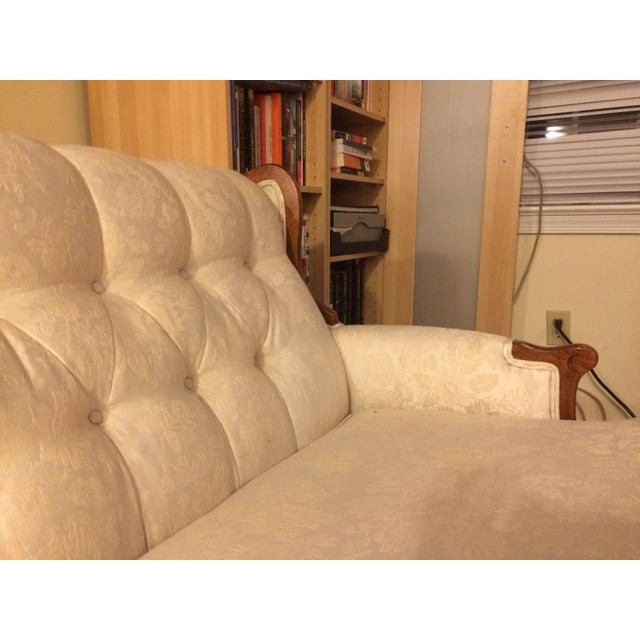 Victorian Style White Brocade Loveseat - Image 4 of 4