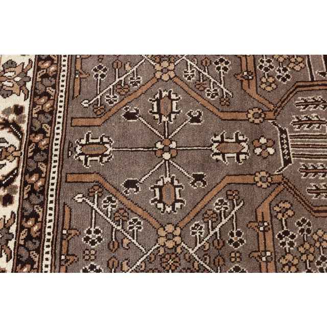 """Antique Mahal Rug, 8'10"""" X 11'3"""" For Sale In New York - Image 6 of 7"""