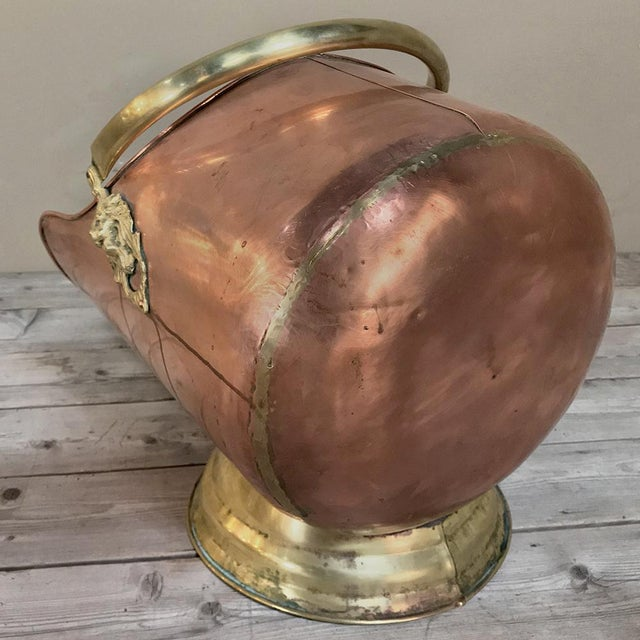 Metal Coal Scuttle, 19th Century Handmade Copper and Brass For Sale - Image 7 of 11